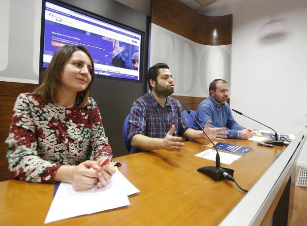 Rueda de prensa presentación web Oviedo Incluye y Guía Contratación pública responsable